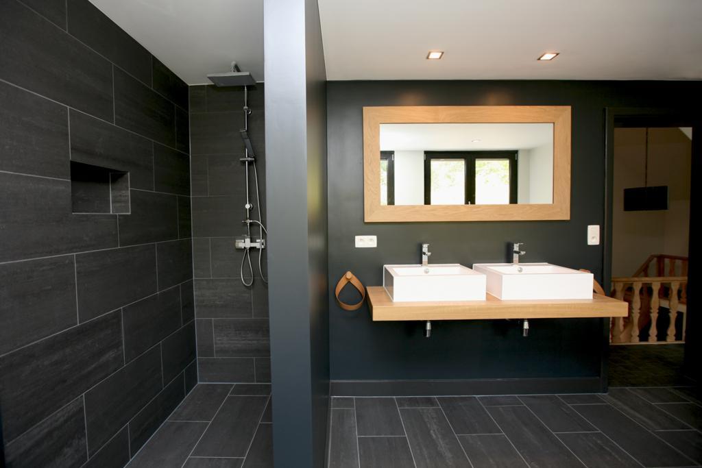 Homeproof • Projecten | Renovatie badkamer boerderij Belgie
